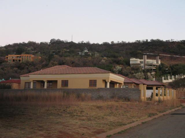 Property For Sale in Mountain View Estate, Westonaria 3