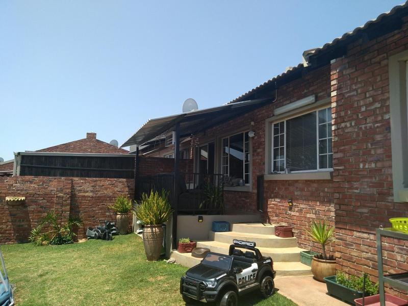 Property For Sale in Mountain View Estate Wagterskop x2, Westonaria 1