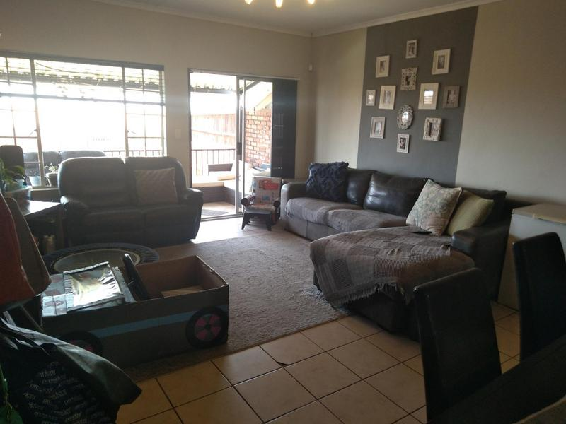 Property For Sale in Mountain View Estate Wagterskop x2, Westonaria 3