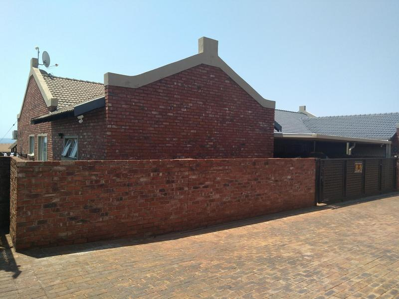 Property For Sale in Mountain View Estate Wagterskop x2, Westonaria 16