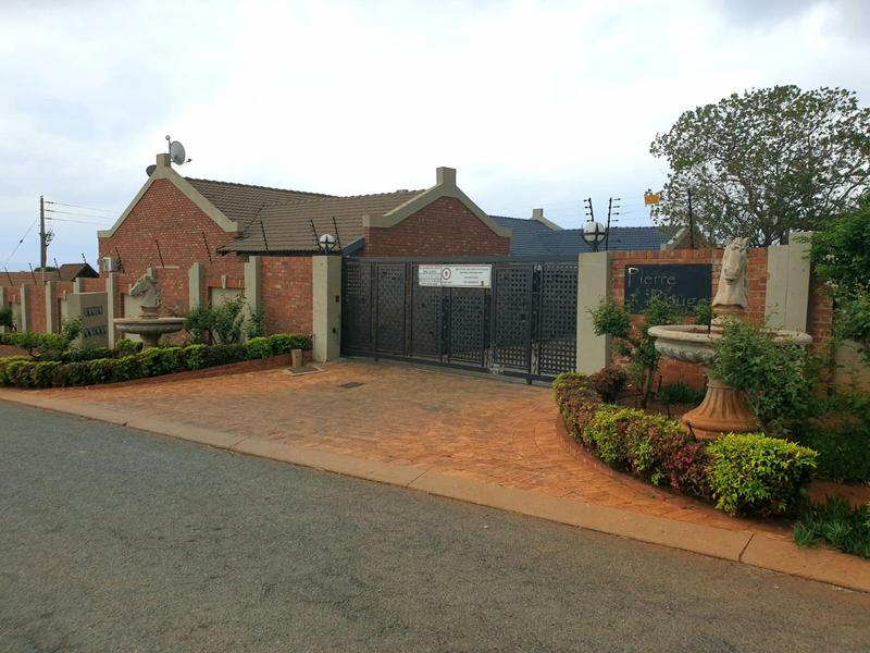 Property For Sale in Mountain View Estate Wagterskop x2, Westonaria 17