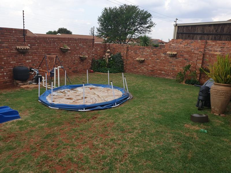 Property For Sale in Mountain View Estate Wagterskop x2, Westonaria 14